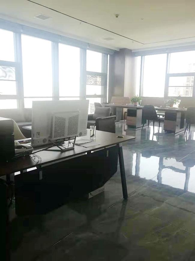 办公室内景_20191129105213.jpg